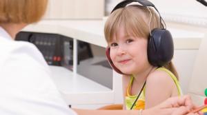 pruebas-para-detectar-la-sordera-en-los-ninos