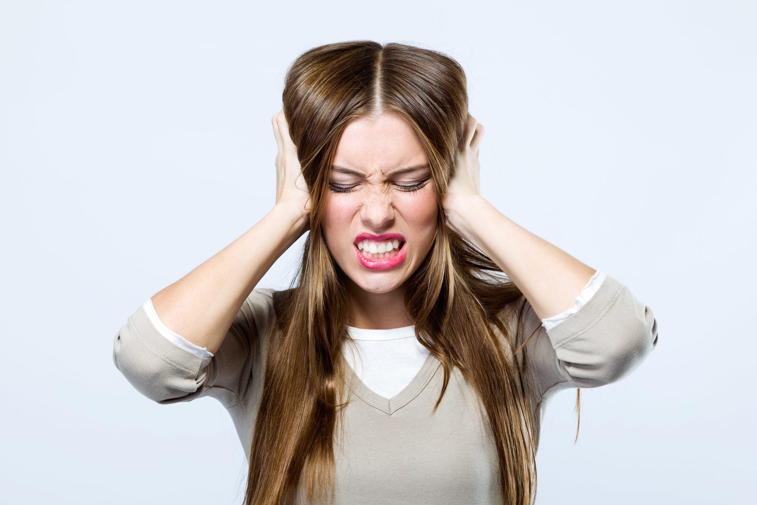 Ruido en el oído: causas, síntomas y tratamiento