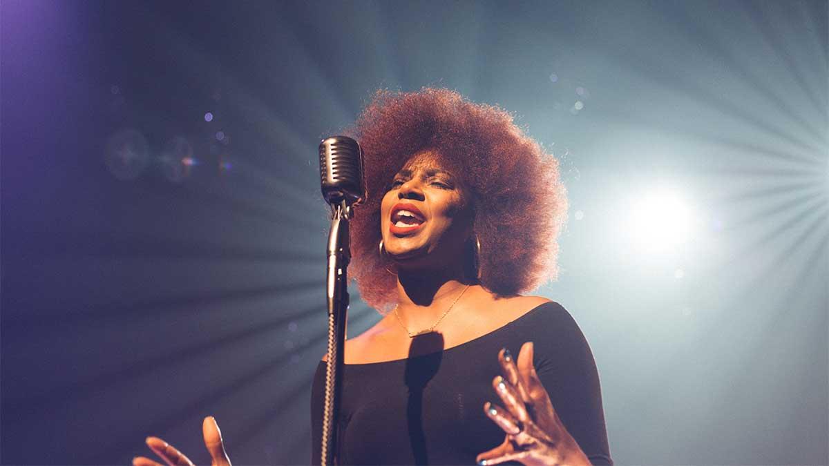 10 consejos para cuidar la voz de un cantante